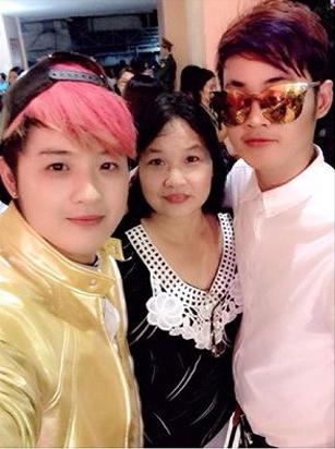 Bức ảnh hiếm hoi anh em Thanh Duy - Trần Phương chụp cùng nhau được họ đăng tải lên mạng.