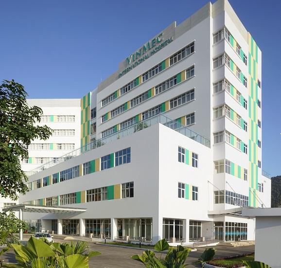 Bệnh viện ĐKQT Hạ Long hướng tới chất lượng y tế tiêu chuẩn toàn cầu JCI với sự tận tâm, chuyên nghiệp, hết lòng vì người bệnh.