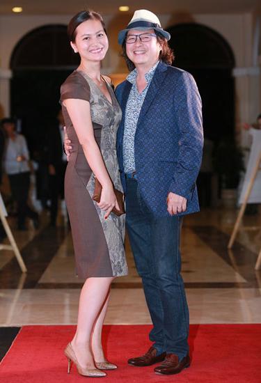 Nữ diễn viên Mùa hè chiều thẳng đứng bên chồng - Calvin Lâm - tại sự kiện điện ảnh Gặp gỡ mùa thu ở Đà Nẵng giữa tháng 11.