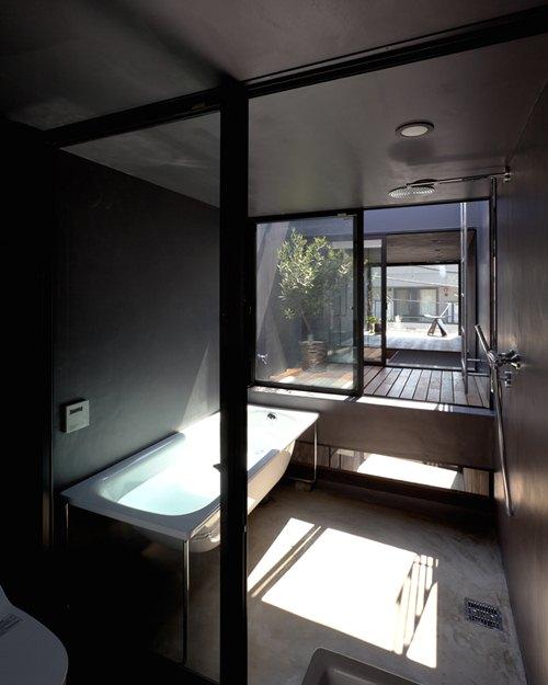 Căn nhà bao gồm 1 phòng bếp, 1 phòng khách và 1 phòng ngủ.