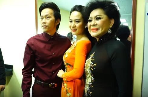 Ba thế hệ cùng đứng chung một sân khấu là điều khiến Hoài Linh vô cùng hạnh phúc.