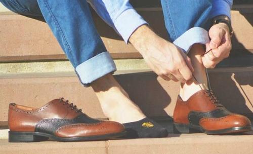 Xem đôi giày có thể biết tuổi, thu nhập... của chủ nhân. Ảnh minh họa: Manxp.