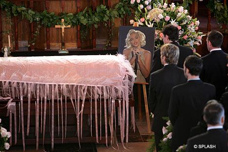 Đám tang của người mẫu, diễn viên Anna Nicole Smith.