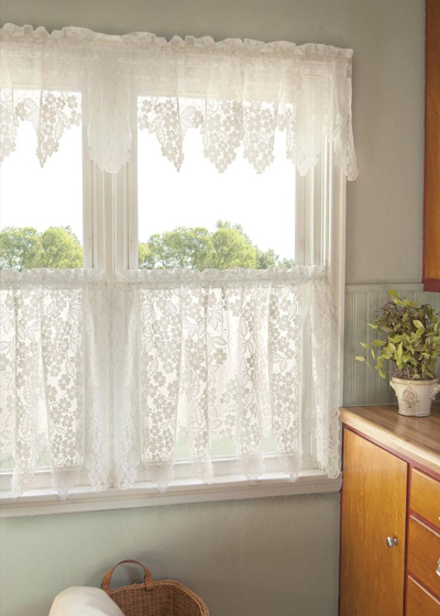 Với các phòng không cần sự kín đáo, không cần che nắng, bạn có thể sử dụng rèm ren.
