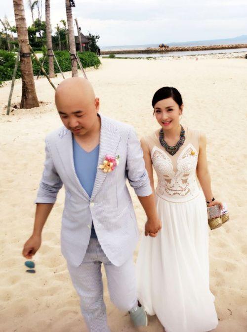 Từ Tranh và Đào Hồng trong đám cưới tại đảo Bali.