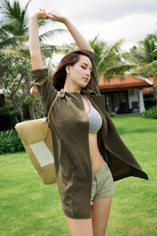 Người đẹp tận hưởng cuộc sống của mình theo đúng nghĩa.