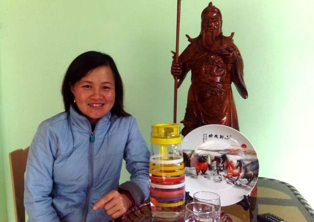 Chị Đinh Thị Tuyên cho biết, do hoàn cảnh khó khăn nên hai vợ chồng chị đều học chưa hết cấp 2. Trong gia đình chỉ mỗi cháu Quỳnh Anh là có tài năng đặc biệt.