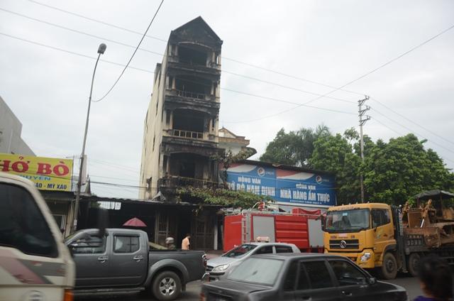 Ngôi nhà 5 tầng nơi xảy ra hỏa hoạn đã cướp đi sinh mạng của hai chị em gái. Ảnh: PV