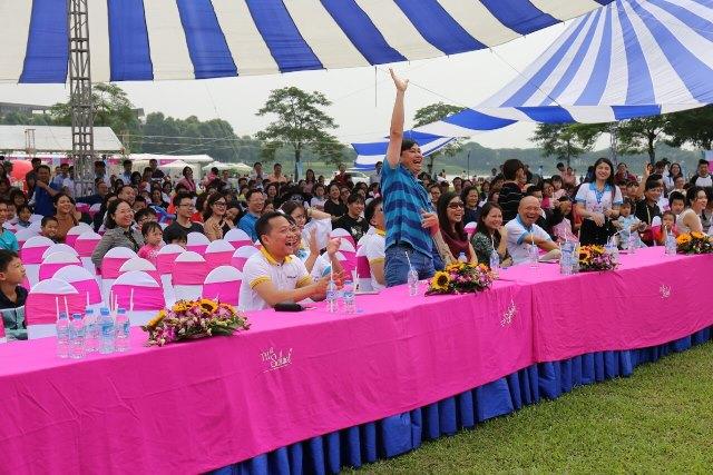 Hàng ngàn gia đình tham gia hoạt động gây Quỹ cho học sinh nghèo