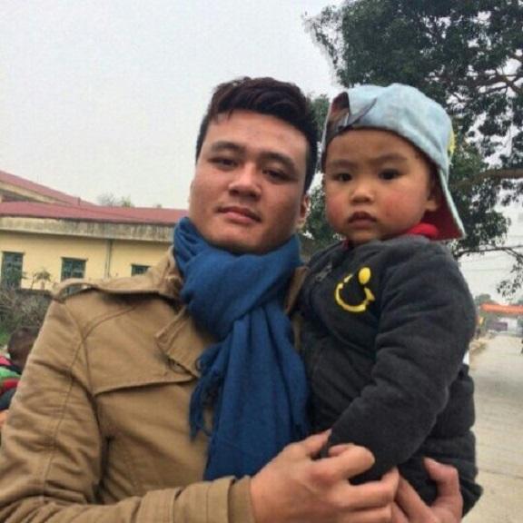 Bố con anh Thái Vũ Thiện (ảnh gia đình cung cấp)