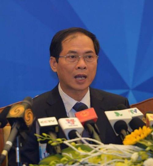 Thứ trưởng Bộ Ngoại giao Việt Nam Bùi Thanh Sơn tại buổi thông tin báo chí.