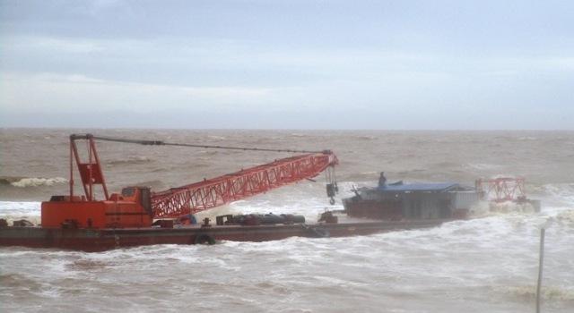Sà lan không có người được phát hiện tại bờ biển huyện Hoằng Hóa