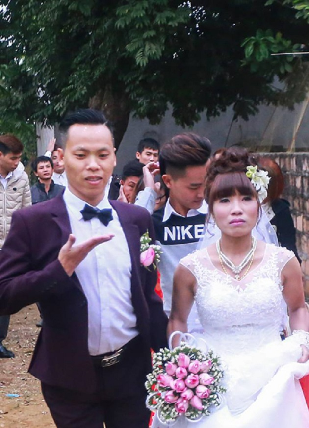 Anh Tĩnh, chị Hiền hạnh phúc trong ngày cưới (ảnh nhân vật cung cấp)