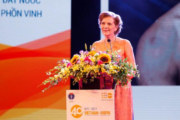 Bà Astrid Bant - Trưởng đại diện UNFPA tại Việt Nam