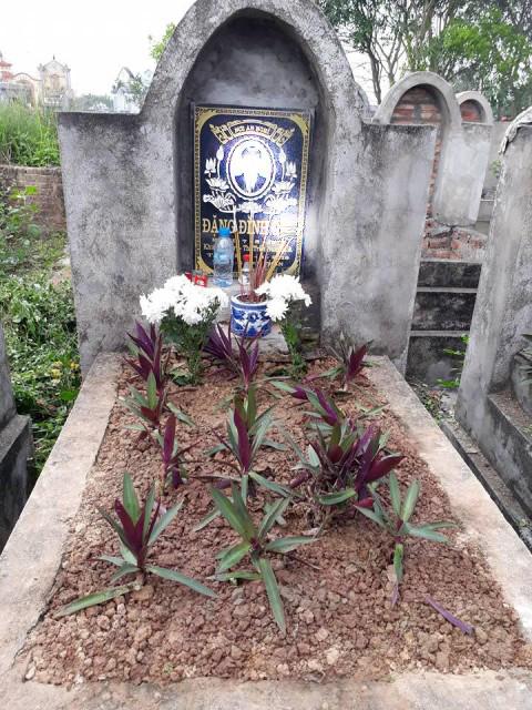 Mộ phần của anh Đặng Đình Q. tại quê nhà. Ảnh: PV