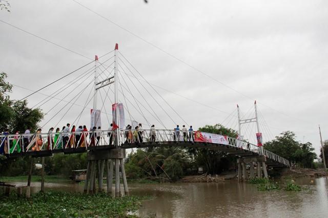 Cầu Dr Thanh – Cả Gừa, món quà Tết giá trị mà Tập đoàn Tân Hiệp Phát gửi tặng bà con được hy vọng sẽ góp phần thay đổi diện mạo, cuộc sống người dân vùng biên này.