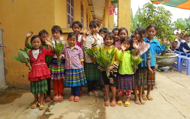 100% học sinh trường PTDTBT Tiểu học Hoàng Thu Phố (Bắc Hà - Lào Cai) là người dân tộc Mông. Ảnh: Cao Tuân