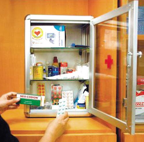 Các gia đình nên cất giữ tất cả các loại thuốc trong tủ có khóa an toàn.