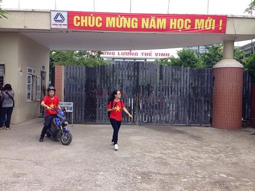 Sáng 9/10, học sinh trường Lương Thế Vinh vẫn đi học bình thường.
