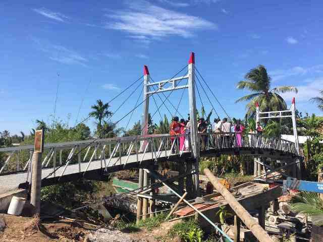 Cầu Dr Thanh – Tân Thới đang góp phần quan trọng phục vụ nhu cầu đi lại của bà con mùa buôn bán cuối năm.