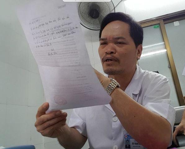 Bác sĩ Bùi Thanh Hải, Phó giám đốc Bệnh viện Mắt và Da liễu Hải Dương khẳng định không tiếp đoàn bảo hiểm nào về tìm hiểu trường hợp bệnh nhân nhiễm HIV. Ảnh: PV