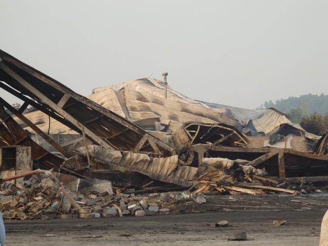 Hiện công ty CP bánh kẹo Tràng An 3 đang tiến hành tái thiết lại nhà máy bị thiêu rụi sau vụ hỏa hoạn.