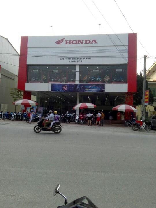 Khu đất vàng vốn là kho muối của PV Oil Hà Giang nay rơi vào tay doanh nghiệp khác kinh doanh xe máy. (ảnh: HC)