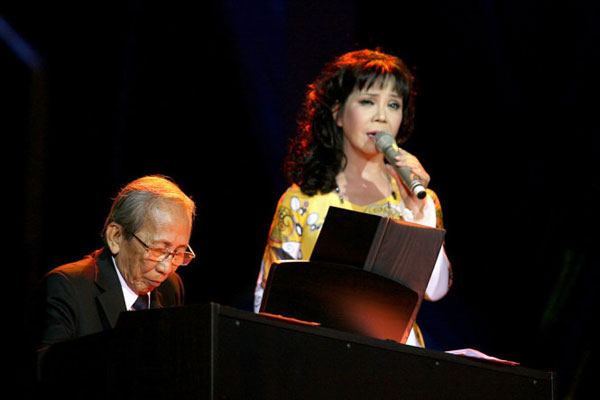 Ca sĩ Ánh Tuyết vốn là người thể hiện rất thành công các ca khúc của NS Nguyễn Ánh 9.