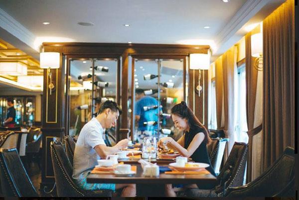 Sau những sóng gió, vợ chồng Bảo Thanh vẫn bên nhau.