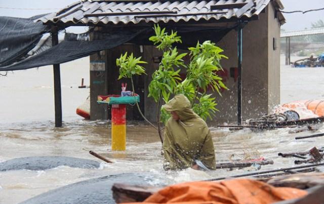Hà Tĩnh bị ảnh hưởng nặng nề sau bão số 10. Ảnh: Zing.vn