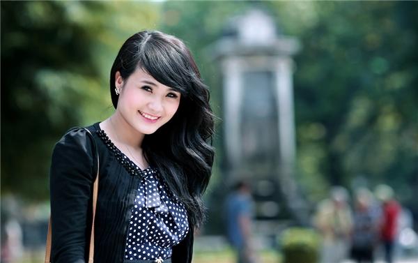 Thời còn là sinh viên, em gái Công Vinh được xem là một hot girl khá có tiếng ở Hà Nội, cùng thời với Hoàng Thùy Linh, Mi Vân...