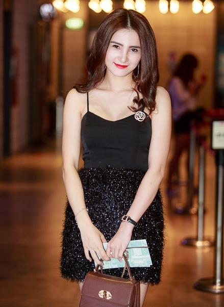 Trước ồn ào giật chồng của người phụ nữ ở Singapore, Khánh Chi đóng Facebook cá nhân từ hôm 9/6.