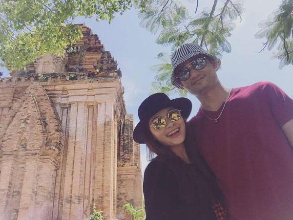Biết được vợ làm việc vất vả nên ông xã Bảo Thanh thường dẫn vợ đi xả stress sau những lần phim đóng máy.