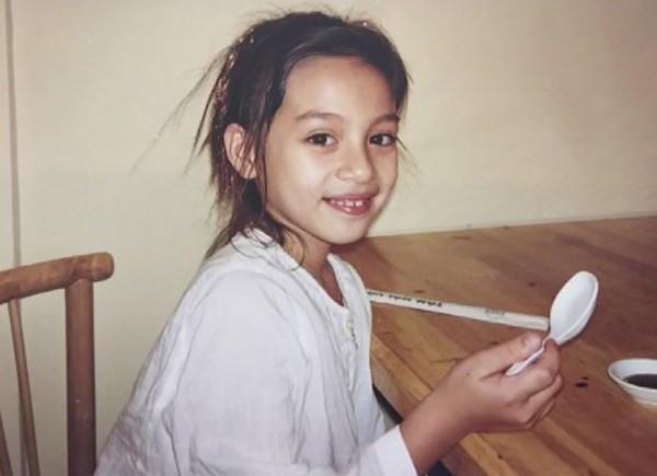 Con gái Phi Nhung có tên là Wendy sinh năm 1992. Ban đầu, Wendy rất buồn khi mẹ chia sẻ không con ruột nhưng lớn lên cô nhận ra tấm lòng của mẹ. Cô gái trẻ đã hiểu ra những tâm sự của mẹ và ngày càng yêu mẹ hơn.