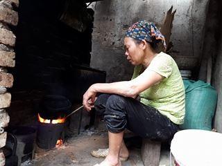 Bà Nguyễn Thị Loan chưa bao giờ nghĩ tới ngày 8/3. Ảnh: P.T
