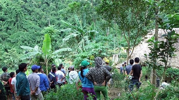 Hiện trường nơi xảy ra vụ án mạng tại xóm Than, xã Tân Pheo, huyện Đà Bắc, tỉnh Hòa Bình. Ảnh: V.Sĩ