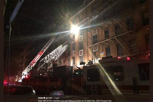 Bố gào thét gọi con giữa vụ cháy chung cư khiến 9 người chết