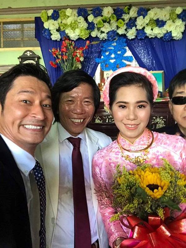 Đã ngoại ngũ tuần, đạo diễn Nguyễn Tranh cưới vợ kém 25 tuổi.