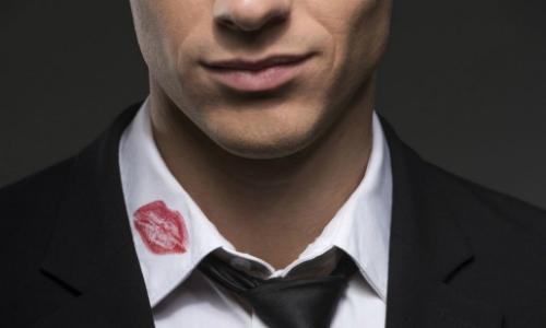 4 kiểu nam giới dễ phản bội vợ