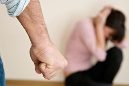 Những gã đàn ông hay đánh vợ dù vẫn rất yêu