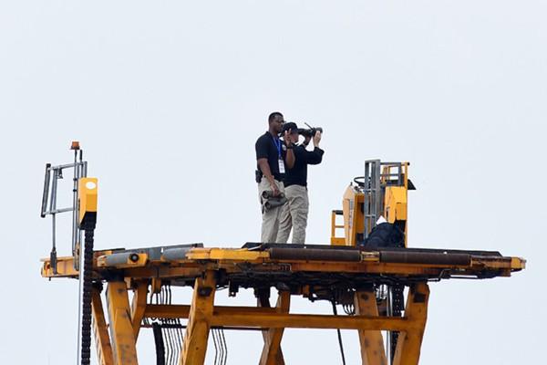 Công tác chuẩn bị của CAT trong lúc chờ đợi chiếc Air Force One chở Tổng thống Donald Trump hạ cánh xuống sân bay Nội Bài vào chiều 11/11.