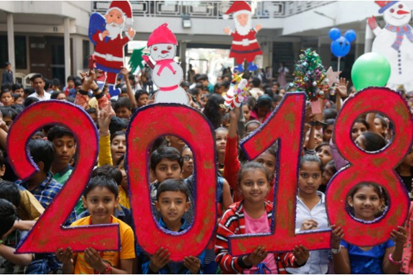 Thiếu nhi Ấn Độ diễu hành chào đón năm 2018.