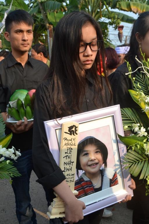Di ảnh nạn nhân xấu số Lê Thị Nhật Linh