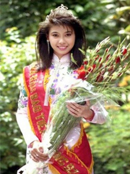 16 tuổi Hà Kiều Anh đăng quang Hoa hậu