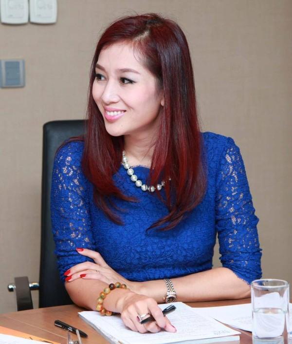 Khi đang nổi tiếng với vai trò MC thì Thu Hương ngoặt sang con đường thương trường