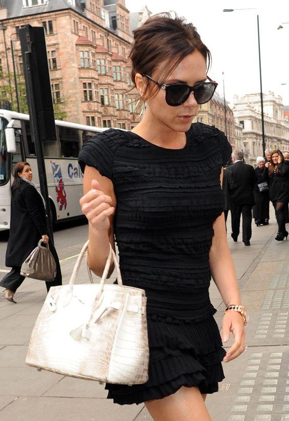 Victoria Beckham là một trong những người phụ nữ quyền lực sở hữu chiếc túi này
