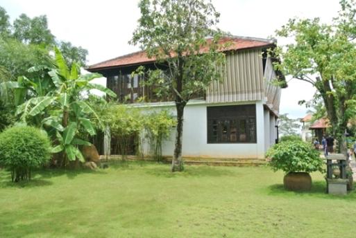 Căn nhà xa xỉ biểu trưng cho sự thành đạt của gia đình Hoa khôi