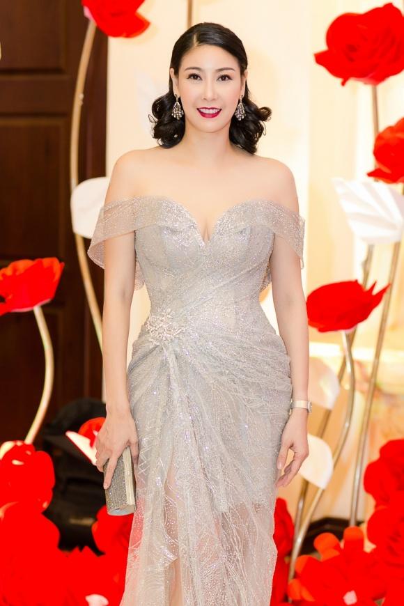"""Hoa hậu Việt Nam 1992 Hà Kiều Anh đã được vinh danh là một trong những """"Bông hồng quyền lực"""""""