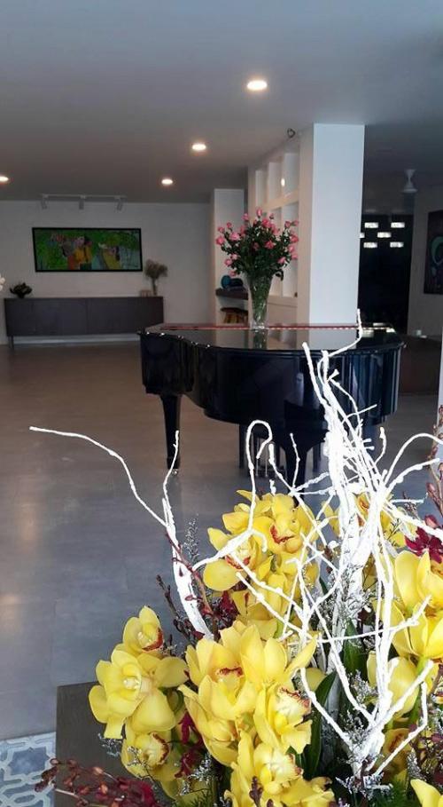 Góc đặt chiếc đàn piano, nơi dành cho âm nhạc.