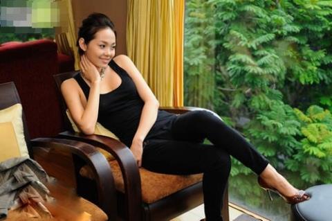 Minh Hằng không thích khoe khoang tài sản, người hâm mộ chỉ biết được nơi ăn chốn ở của cô qua những hình ảnh chia sẻ trên trang cá nhân.